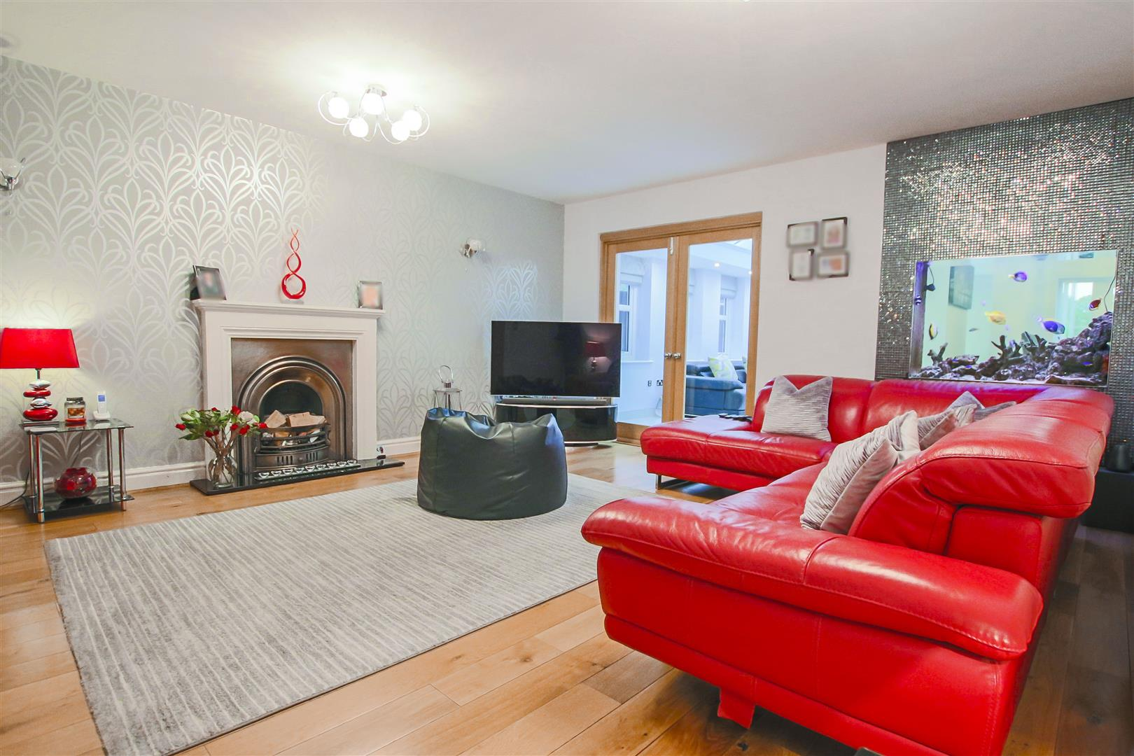 4 Bedroom Detached House For Sale - Living Room